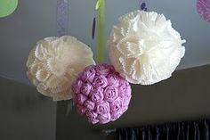 Vários tipos de pompom e tutorial http://claraviegasmiranda.blogspot.com.br/2011/07/bola-pompom-com-charme-para-festas.html