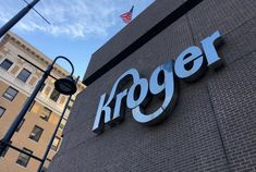 Kroger to test grocery pick-up program at Walgreens stores Business News, Online Business, Biz News, Store Layout, Sam Sam, Card Companies, Sale Store, Private Label, Ohio