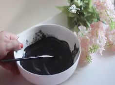 Are you struggling with stubborn blackheads that keep coming back? Well, it's time to say adiós to those unpleasant skin problems because today you'll learn how to make a DIY blackhead removal mask that will only take you a few minutes to create! | Save Money With This Do It Yourself Blackhead Removal Mask --> http://gwyl.io/save-money-with-this-do-it-yourself-blackhead-removal-mask/