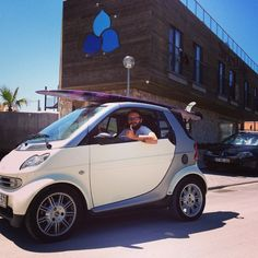 If u put a 9.4 longboard on a #smartcar and go above 120km/h it will turn into an airplane. Instagram picture by @surferslodgepeniche. #carlove #citylife #smartlife #parking #smartonthego #surferslodge