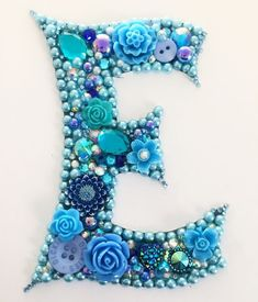Vintage Jewelry Art Initial letter E button art mixed media - Bead Crafts, Jewelry Crafts, Jewelry Art, Vintage Jewelry, Beaded Jewelry, Jewellery, Crafts To Make, Fun Crafts, Arts And Crafts