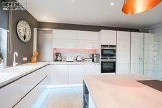 Kitchen Design, Design Inspiration, Table, Furniture, Studio, Home Decor, Hip Bones, Cuisine Design, Decoration Home