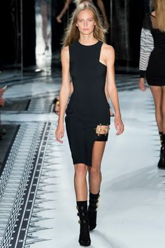 Versus Versace Spring 2015 Ready-to-Wear Collection Photos - Vogue