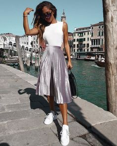 10 Forever In Style Beauty And Ideas Pretty Outfits, Cool Outfits, Casual Outfits, Summer Outfits, Fashion Outfits, Skirt Outfits, Midi Skirt Outfit, Dress, Skirt And Sneakers