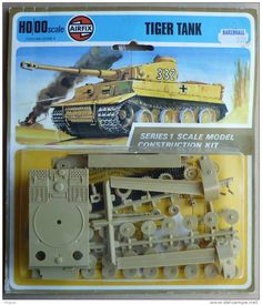 Vintage scale model kits, products and artwork Retro Toys, Vintage Toys, Childhood Toys, Childhood Memories, Airfix Models, Airfix Kits, Toys In The Attic, Airplane Art, Hobby Toys