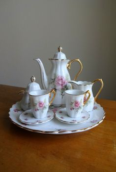 Vintage Victorian miniature rose tea set