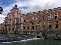 Palacio Real de Aranjuez, junto al río Tajo.