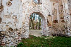 Katarínka - Kostol a kláštor sv. Medieval, Arch, Outdoor Structures, Garden, Longbow, Garten, Lawn And Garden, Mid Century, Gardens