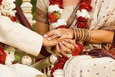 You can still have your dream wedding with five weeks at hand. Here is the foolproof plan to make your wedding a hit without going insane.