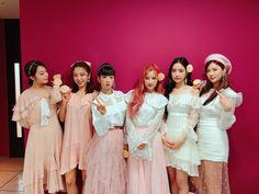 Apink❤190112 Kawaii Fashion, Pop Fashion, Fashion Models, Fashion Outfits, High Fashion, Eun Ji, Pink Outfits, Kpop Outfits, Extended Play
