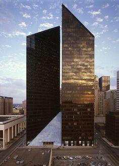 Phillip Johnson, Pennzoil Place in Houston, 1975. Photo by Richard Payne.