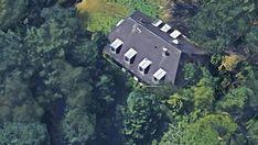 Das alte Gebäude aus der Luft (© Google)