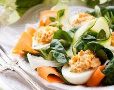 Jajka faszerowane na warzywach