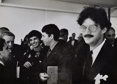 """Julian Wasser: Larry Bell (ed Moses and Robert Irwin in bakground) , Duchamp Retrospective Pasadena Art Museum, 1963 - From Ed Kienholz to Robert Irwin, the """"Cool School"""" Ferus Gallery Launched the Careers of L.A.'s Famous Artists"""