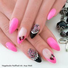 valentina nail design