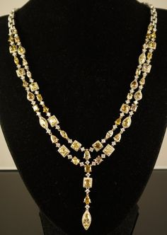18kt White Gold 31.09ct Diamond Necklace