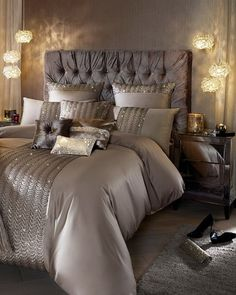 90 Gorgeous Romantic Master Bedroom Design That Will You Dreaming on Home Inteior Ideas 3806 Glam Bedroom, Home Bedroom, Bedroom Furniture, Modern Bedroom, Trendy Bedroom, Contemporary Bedroom, Night Bedroom, Silver Bedroom, Bedroom Brown