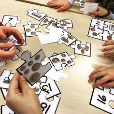 Vi koser oss med puslekort på stasjoner! #laermedlyngmo #stasjoner #førsteklasse #puslekort #morsomtmedtall #tallinnlæring