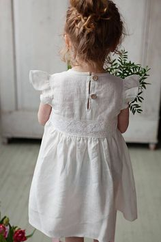 Washed linen girls dress for celebrate birthday or christening party. ♥️ DESCRIPTION: - made from Oeko-Tex certified 100 % European linen fabric which guarantees you that it meets human - ecological requirements. The linen fabric is of medium weight (185 g). - color in the picture -