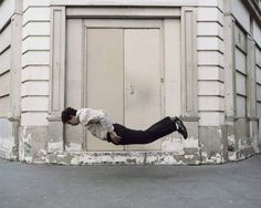 La Chute (2005-06) by Denis Darzacq