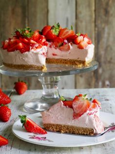 One pot wonder - lettvint gryterett - Mat På Bordet Cheesecake, Norwegian Food, Scandinavian Food, Pudding Desserts, Pavlova, Something Sweet, Let Them Eat Cake, No Bake Cake, Baked Goods