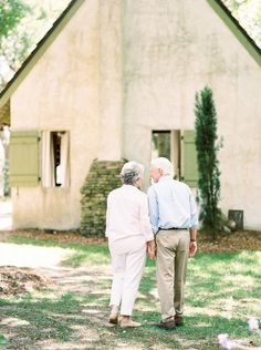 The sweetest anniversary session you ever did see! via Magnolia Rouge