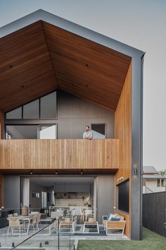 Considered living by Happy Haus Scandinavian Architecture, Scandinavian Home, House Roof, Facade House, Design Hotel, Modern Barn House, Barn House Plans, Modern Wooden House, Contemporary Barn