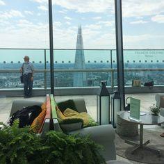 Rompiballe On The Road #London #cityoflondon #city #skyscraper #view #skyline #travel #travelphotography #architecture #walkietalkie #skygarden
