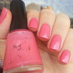 Sublime Strawberry da Revlon. Unhas Rosas. Pink nails. Nail art. Nail design. Polishes. Polished. by @morganapzk
