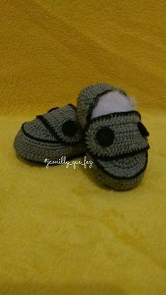 Sapatinho de crochê feito por mim, inspirado em modelos da internet