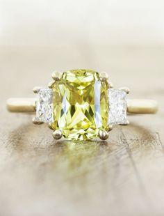 http://rubies.work/0932-emerald-pendant/ Yellow diamond with flanking white diamonds. Untraditional Engagement Rings - MODwedding