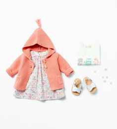 Cute peach cardigan with dress and sandals - zara mini Storing Baby Clothes, Baby Kids Clothes, Baby Outfits, Baby Girl Fashion, Fashion Kids, Look Zara, Zara Mini, Zara Baby, Zara Fashion