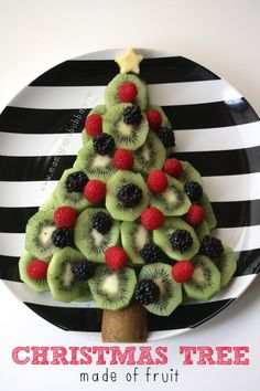 Looking for a fun, health party food alternative for that classroom party or other festive holiday gathering? || A Christmas Tree Made of Fruit - Mama Papa Bubba || Fruit Platters for Kids: 10 Christmas Party Platters! || Letters from Santa Holiday Blog
