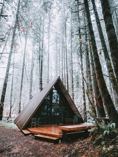 A Frame Cabin, A Frame House, Airbnb Usa, Bed And Breakfast, Lakefront Property, Small Bedroom Designs, Roof Styles, House Styles, Walk In
