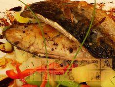 За любителите на риба -скумрия с кардамом и хрян. Може да я поднесете с вкусна и засищаща салата.