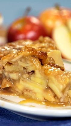 There may be nothing more intoxicating than the smell of a fresh-from-the-oven caramel apple pie. Apple Pie Recipes, Apple Desserts, New Recipes, Cooking Recipes, Favorite Recipes, Tasty Video, Best Apples For Baking, Baked Apples, Caramel Apples