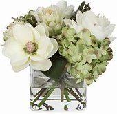 love the magnolia and hydrangea combo