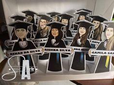 Encomendas de hoje ( 17/07) #formatura / #Displaydemesa: #brindecorporativo feitos nos Estúdios #souzaarte. Para a turma de Odontologia.  - ☎️ W.App: (21) 9. 8494 - 0413 - Peça já a sua encomenda! - A Empresa de Caricaturistas que Mais CRESCE! - Somos os Caricaturistas da SouzaArte (RJ)  #festacorporativa #confraternizacao #festadafirma
