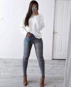 Women Jeans Outfit Plus Size Vintage Clothing Khaki Cropped Trousers Long Sleeve Maxi Dress Formal Women Cloth Lightweight Work Pants Jeans And Heels Outfit – azalearlily Winter Fashion Outfits, Fall Winter Outfits, Look Fashion, Autumn Fashion, Fashion Design, Superenge Jeans, Mode Jeans, Elegantes Outfit Mit Jeans, Cute Casual Outfits
