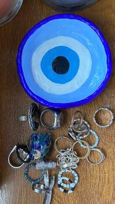 Ceramic Pottery, Pottery Art, Ceramic Art, Diy Clay, Clay Crafts, Arts And Crafts, Kunstjournal Inspiration, Keramik Design, Diy Accessoires