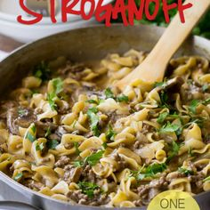 Ground Beef Stroganoff This One Skillet Ground Beef Stroganoff is a quick weeknight dinner recipe that my whole family loves!This One Skillet Ground Beef Stroganoff is a quick weeknight dinner recipe that my whole family loves! Beef Dishes, Pasta Dishes, Food Dishes, Main Dishes, Food Food, Ground Beef Stroganoff, Hamburger Stroganoff, Mushroom Stroganoff, Meat Recipes