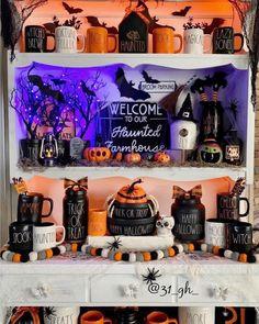 Halloween Inspo, Halloween Displays, Halloween 2020, Halloween House, Spooky Halloween, Holidays Halloween, Halloween Crafts, Happy Halloween, Halloween Decorations