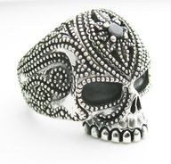 ring - very day of the dead. i like it!