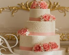Hochzeitstorte 3 stöckig mit rosa Rosen für Hochzeit The Effective Pictures We Offer You About wedding cake toppers flowers A quality picture can tell you many things. You can find the most beautiful Cool Wedding Cakes, Wedding Cake Designs, Wedding Cake Toppers, Beautiful Cakes, Amazing Cakes, Bolo Floral, Rosa Rose, Birthday Cake Decorating, Unique Cakes