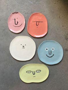 Diy Home : Jean Jullien for Case Studyo * Deco Findings * The Inner Interiorista - - ListFender Ceramic Pottery, Pottery Art, Ceramic Art, Ceramic Plates, Pottery Mugs, Painted Pottery, Porcelain Ceramic, Thrown Pottery, Slab Pottery