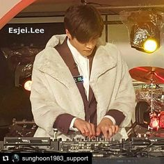 #Repost @sunghoon1983_support ・・・ #Happy #SUNGHOON on stage #Djing show for #Mnet program #singstreet ... Photo by @esjei.lee Thank you so much .. .. #엠넷 #골목음악페스티벌 #싱스트리트 #성훈 #EDM