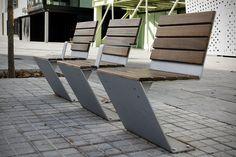 El diseño de mobiliario urbano genera una respuesta estética, funcional y ergonómico que ha de ser adecuado al uso del espacio público, la identidad que proyecta y losparámetrosque lo limiten (re…