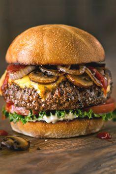 "italian-luxury: "" Cheeseburger | Food """