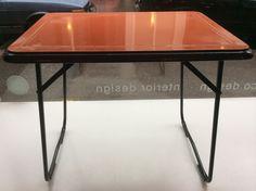 oranssi kokoontaitettava metallinen retkipöytä, 55x75cm, korkeus 63cm