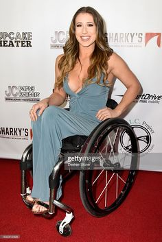 Founder of The E. project, Chelsie Hill attends the official launch of the E. Project at Cupcake Theater on January 2017 in Los Angeles, California. Amputee Lady, Manual Wheelchair, Disabled People, Hashtags, Sexy Outfits, Sexy Women, Join, Product Launch, Beautiful Women